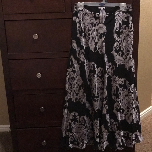 Dresses & Skirts - Lucky and coco skirt NWT